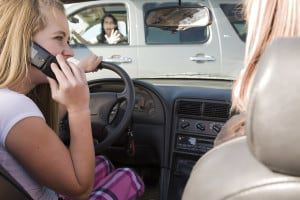 teen-driver-texting-while-driving
